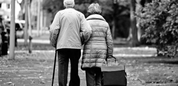 debiti col fisco e anziani sfrattati da casa